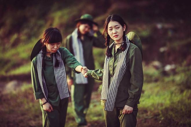 Phân tích vẻ đẹp của những cô gái thanh niên xung phong trong tác phẩm